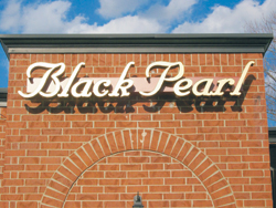 Black-Pearl-sign-on-bldg