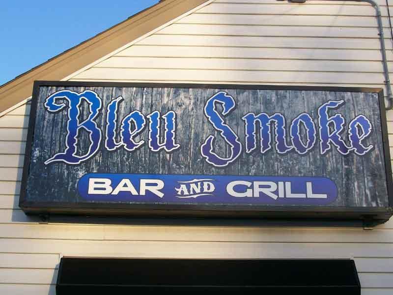 Bleu-Smoke-sign