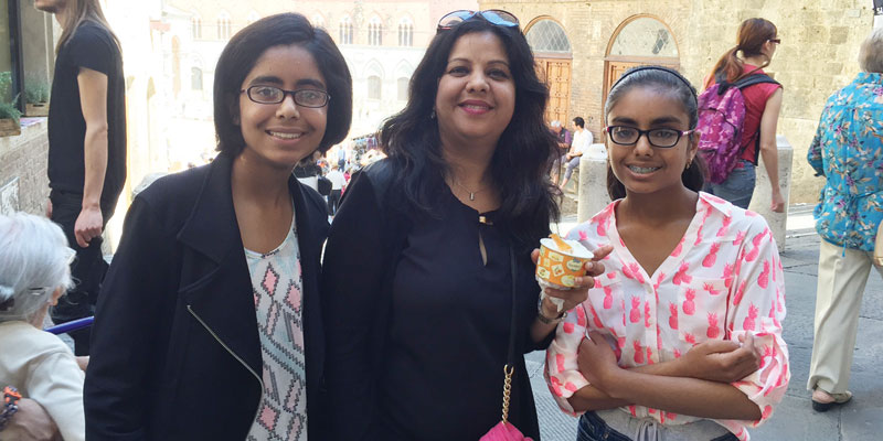 Vinita-Singhania-center-with-daughters-Anika-left-and-Vedika-in-Sienna-Italy