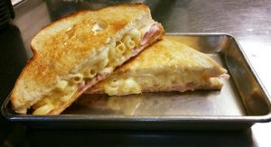 mac-n-melts-fb-sandwhich
