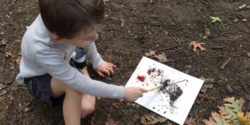 ONLINE_Creating-Art-With-Paint-Made-From-Nature-Supplies