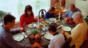 family-praying-dinner2