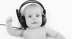 Blog-NewbornHearingScreeniStock000065079417MediumBW