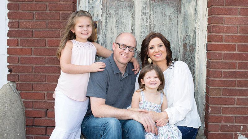 (L-R) The Reitz family: Karsen (6), Greg, Maddox (3), and McKenna.